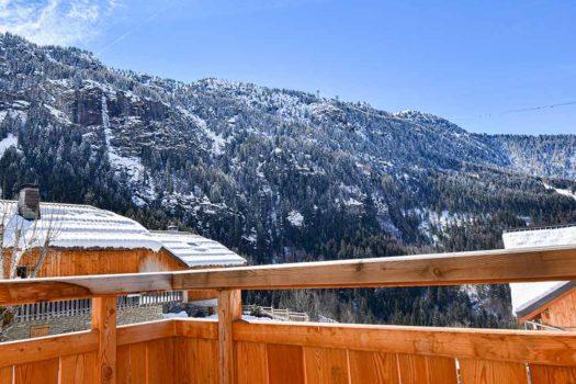 Vue sur le domaine de l'Alpe d'Huez en Oisans d'un appartement en location à Vaujany